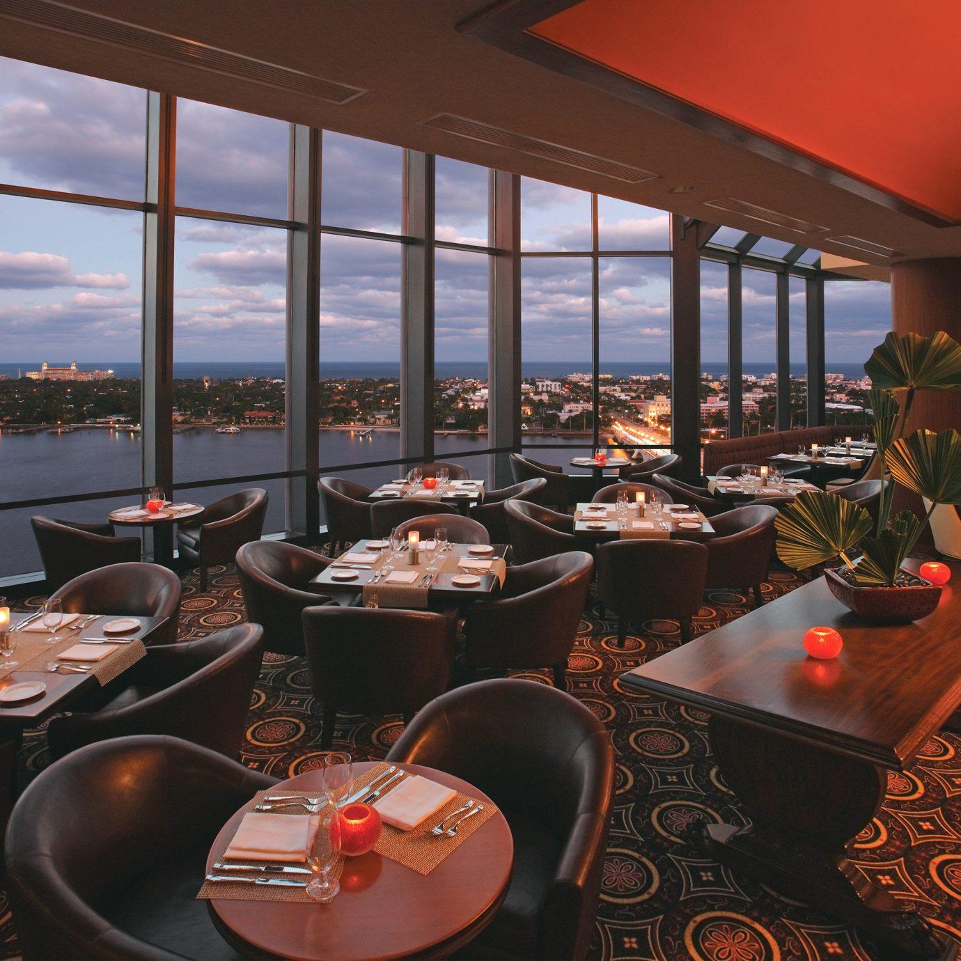 Bar Dining Drink Eat Luxury chair restaurant Resort overlooking set