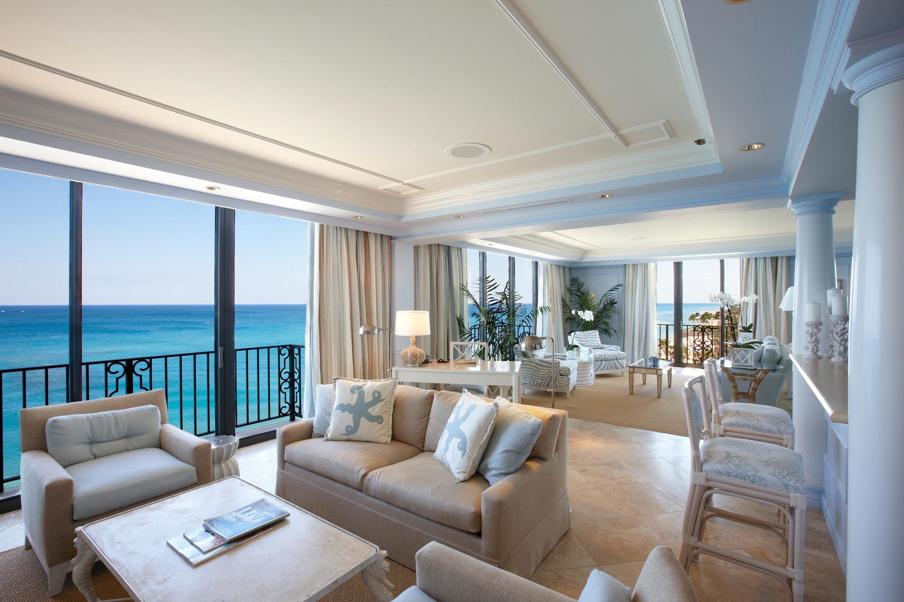 Bar Dining Drink Eat Hotels Luxury Trip Ideas sofa property living room condominium home Suite Villa daylighting mansion