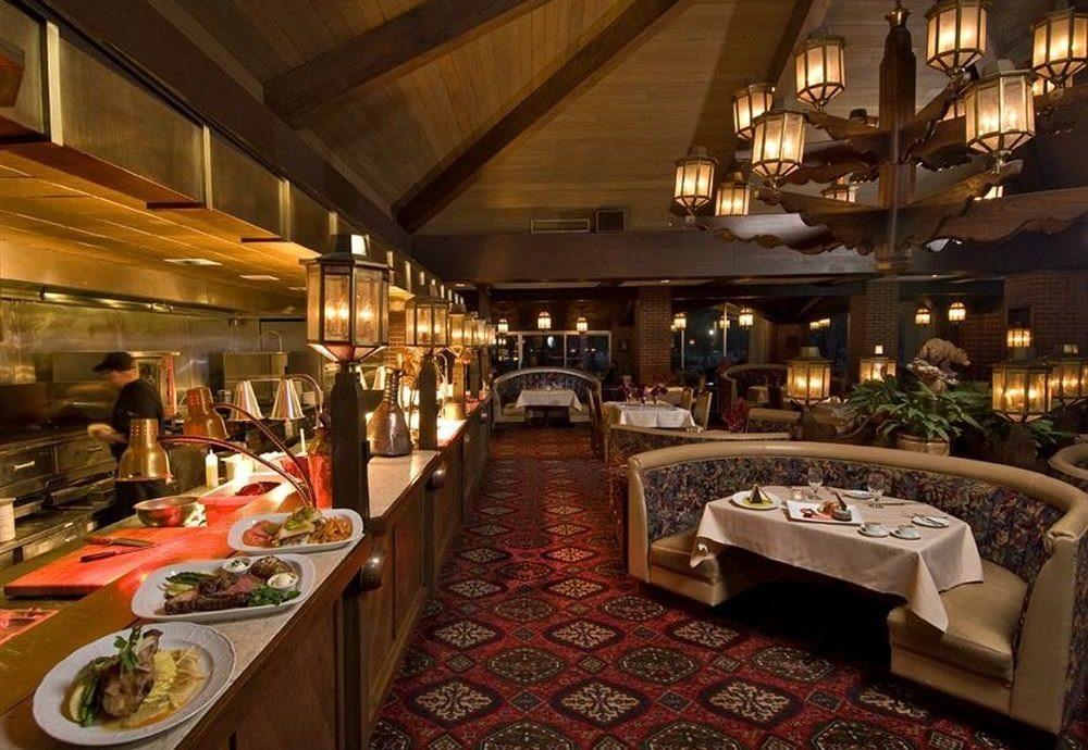 Bar Dining Drink Eat Elegant Luxury Romantic restaurant Lobby function hall
