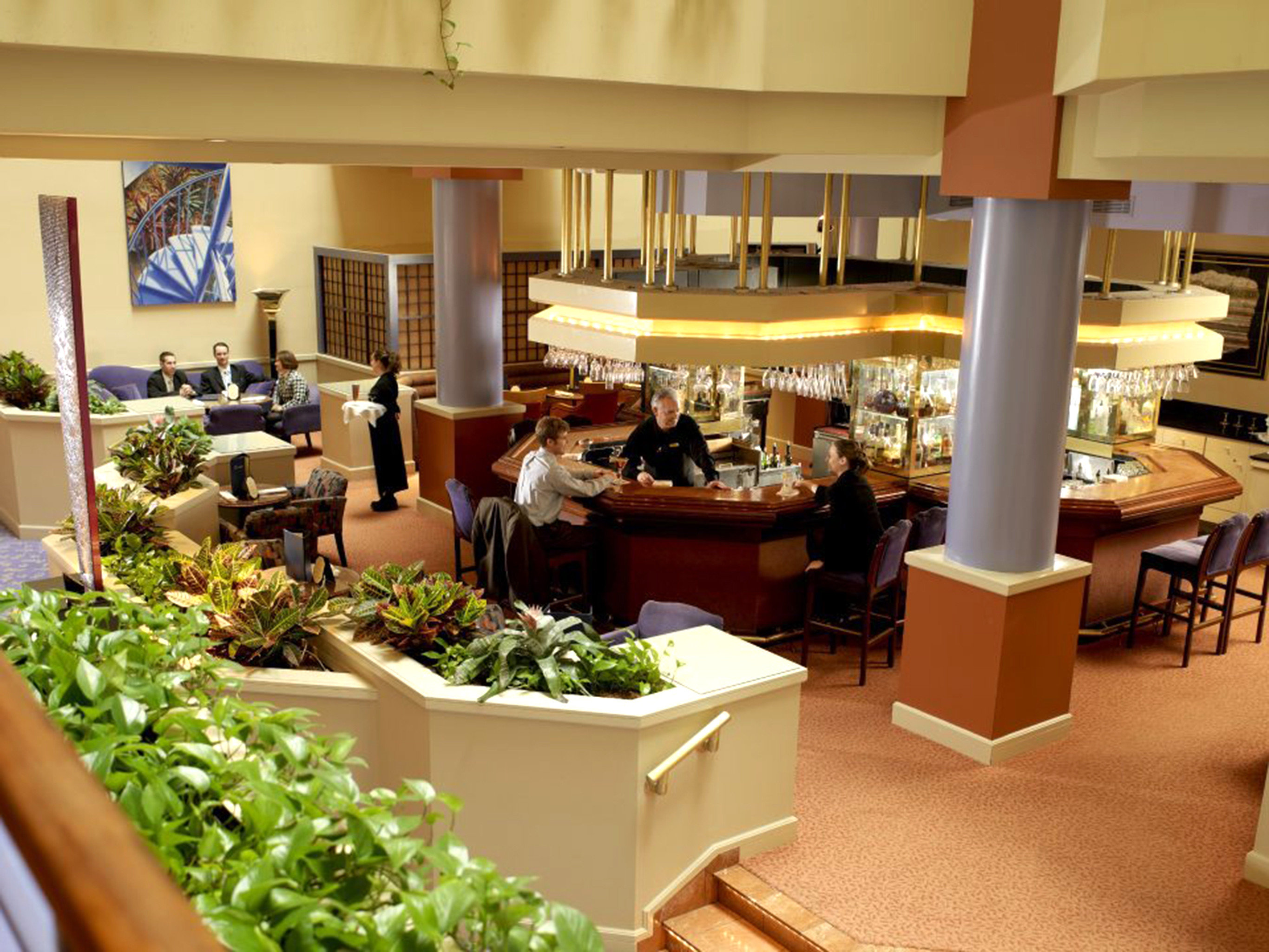 Bar Dining Drink Eat Elegant Historic Modern restaurant floristry brunch buffet home Resort food