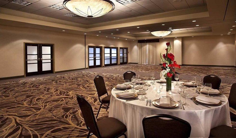 Bar Dining Drink Eat function hall conference hall Lobby banquet ballroom restaurant living room set Island