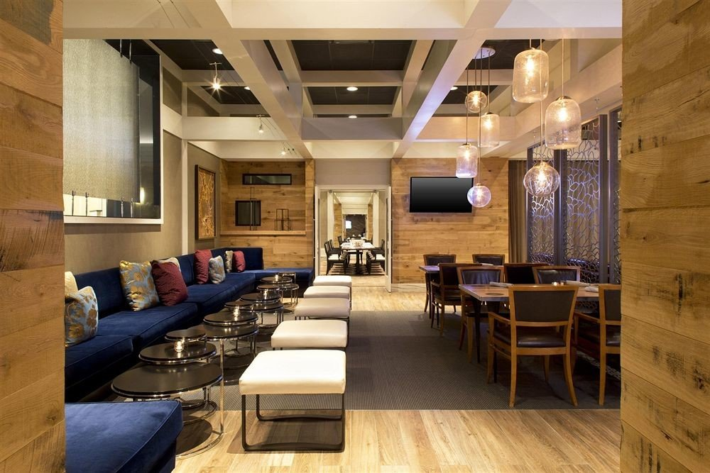 Bar Dining Drink Eat Hip Luxury Modern Lobby property living room home recreation room conference hall