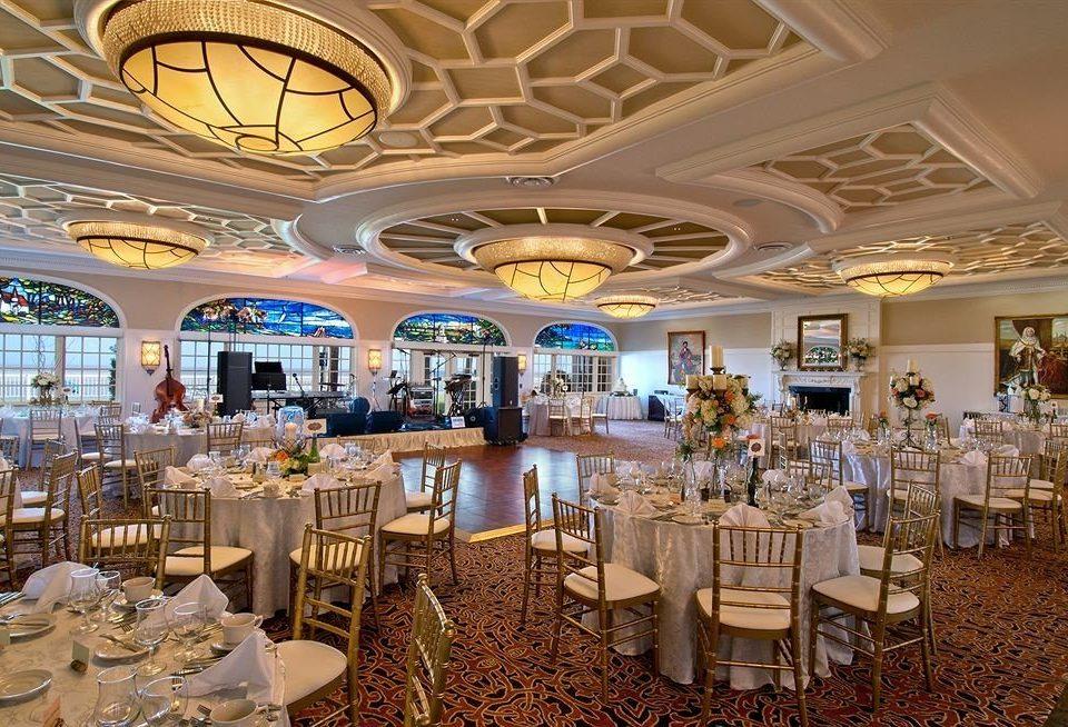 Bar Dining Drink Eat function hall banquet restaurant ballroom convention center wedding reception
