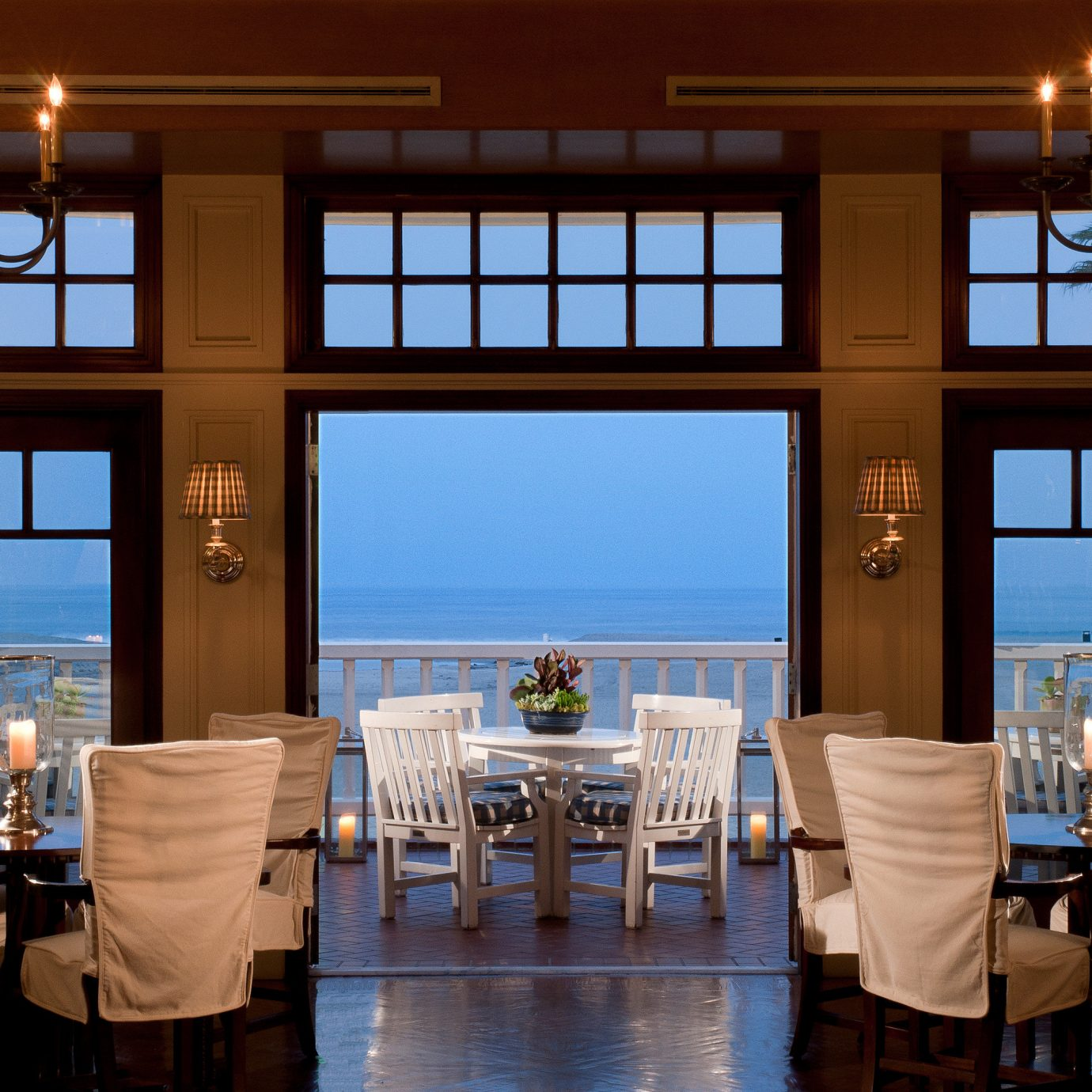 Bar Dining Drink Eat Hotels Luxury Modern restaurant Resort home overlooking Island
