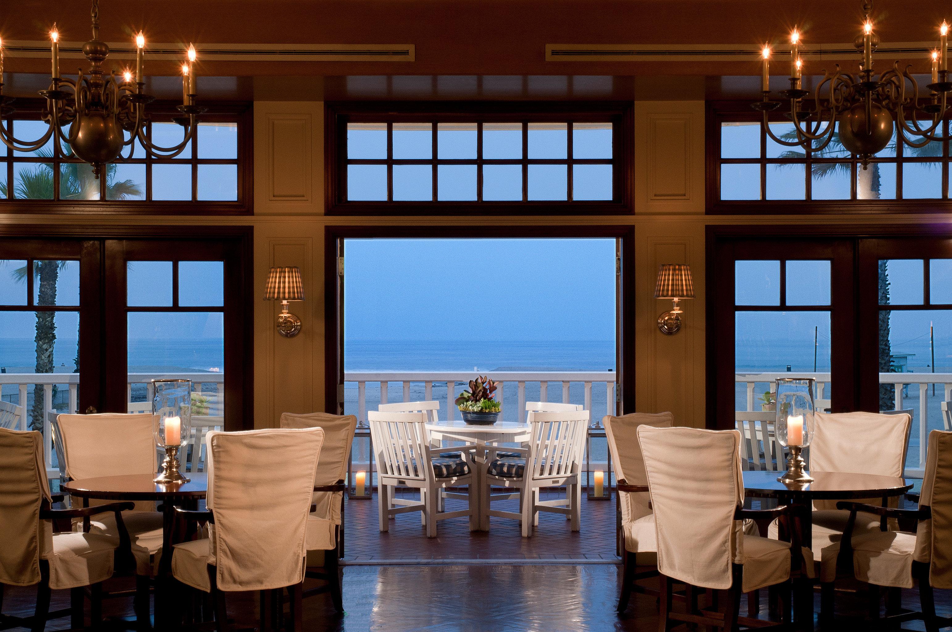 Bar Dining Drink Eat Hotels Luxury Modern restaurant Resort home overlooking Island