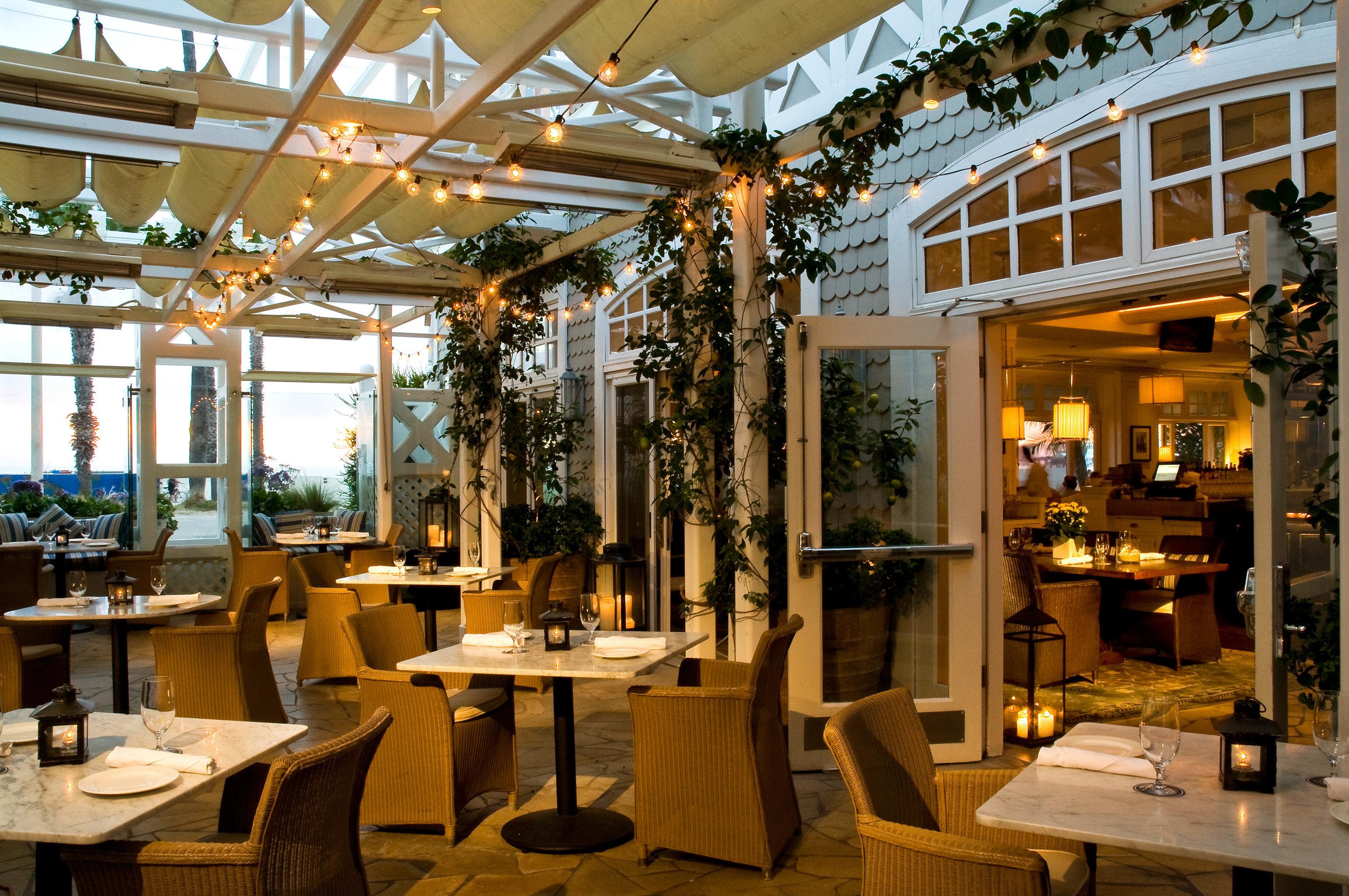 Bar Dining Drink Eat Luxury Modern building restaurant Resort home café