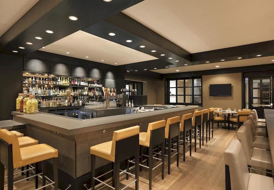 Bar Dining Drink Eat Hip Luxury Kitchen function hall cafeteria restaurant café conference hall convention center food court counter long Island