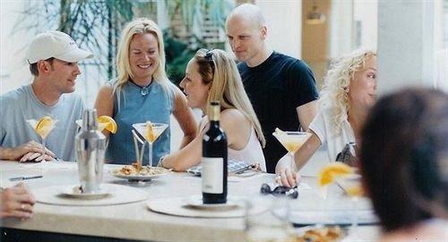 Bar Dining Drink Eat Elegant lunch sense