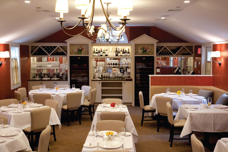 Dining Drink Eat Inn restaurant function hall white brunch Bar