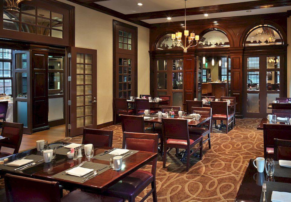 Dining Drink Eat Historic building restaurant café Bar library Lobby coffeehouse dining table