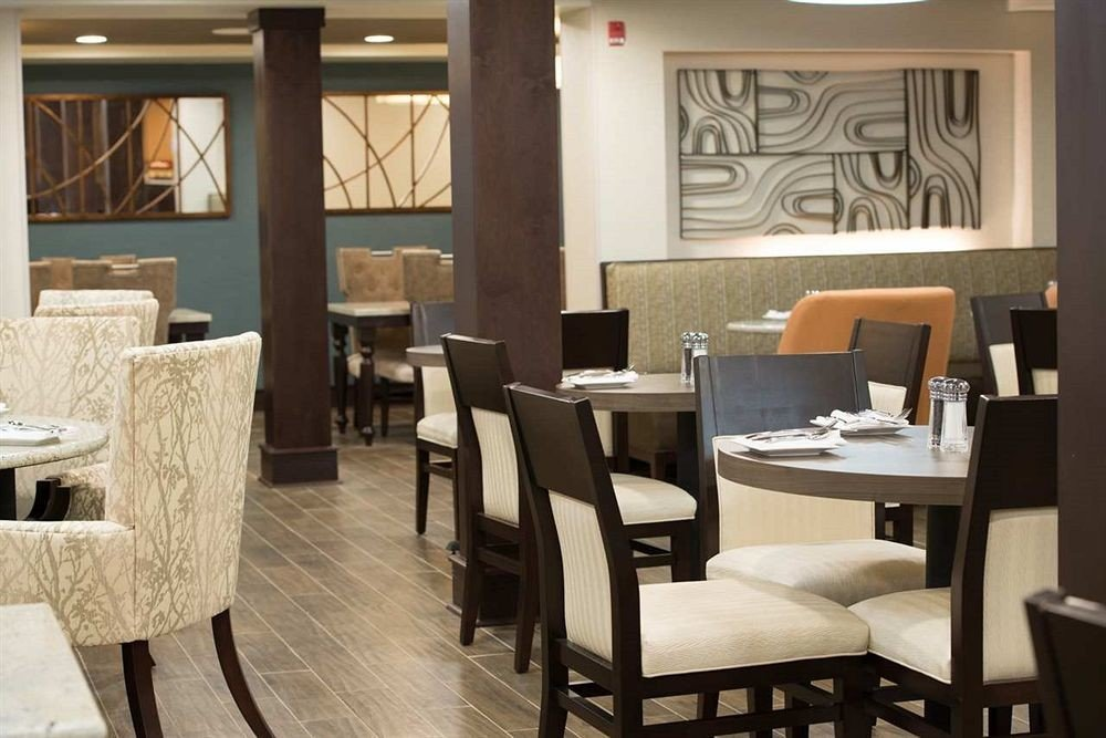 Bar Dining Drink Eat Lounge Luxury Modern chair restaurant property living room Suite café dining table