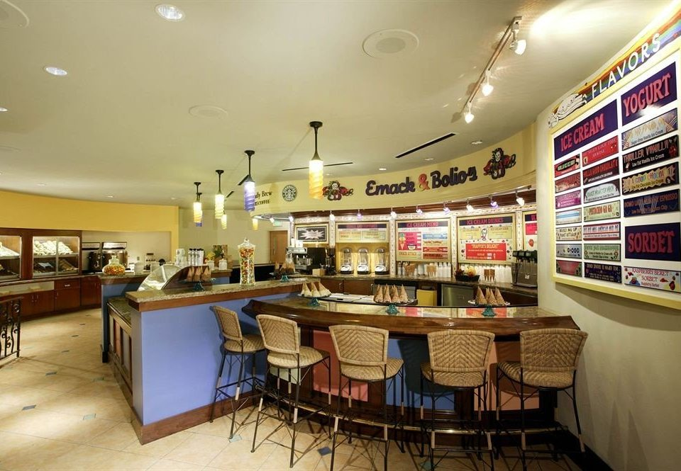 Bar Dining Drink Eat Family building retail restaurant cafeteria food court