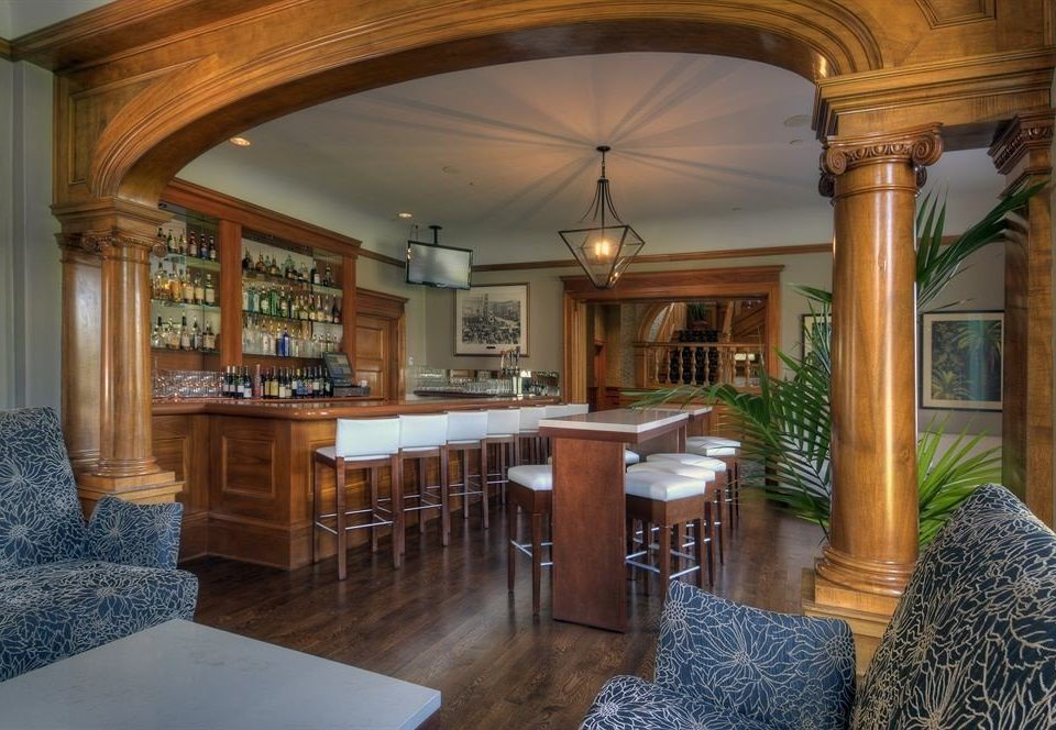 Bar Dining Drink Eat Luxury property home living room house mansion hardwood Villa cottage farmhouse