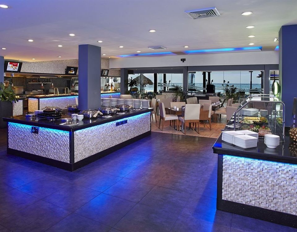 Bar Dining Drink Eat Lounge Modern swimming pool property Lobby Resort condominium convention center