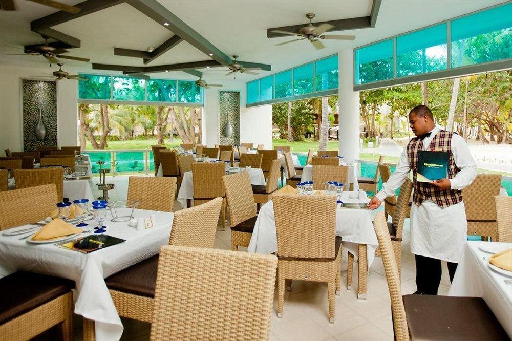 Bar Dining Drink Eat Elegant Hip Luxury Modern restaurant Resort function hall
