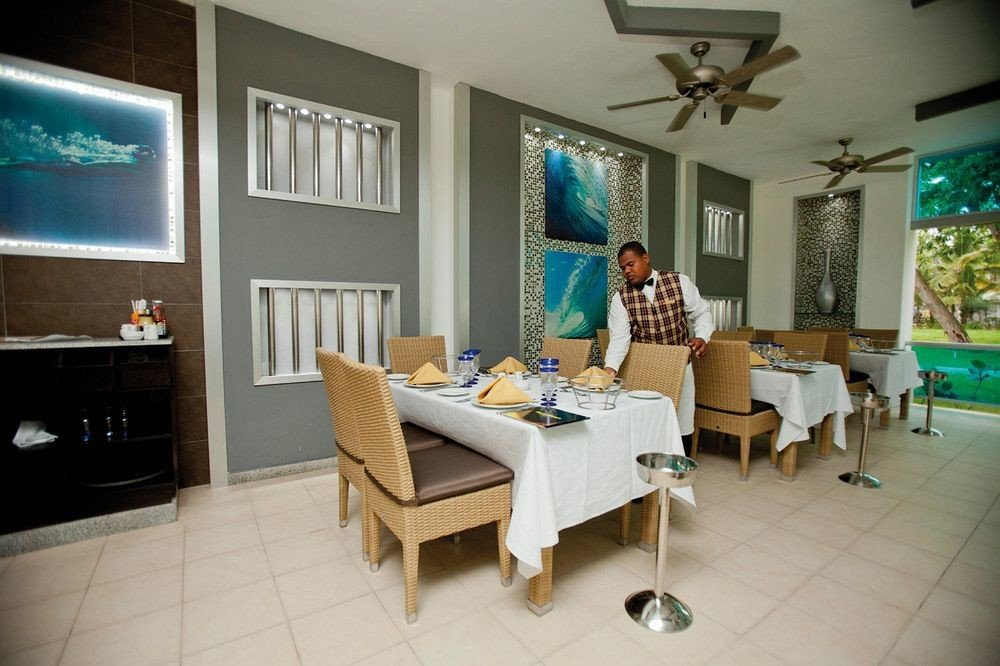 Bar Dining Drink Eat Elegant Hip Luxury Modern property home living room condominium Villa cottage tile tiled