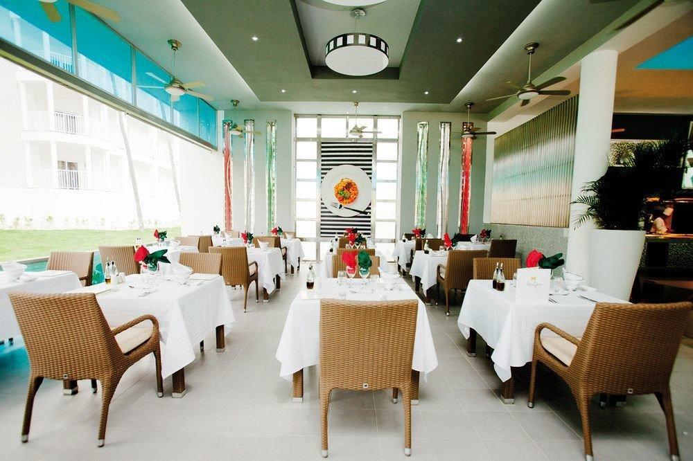 Bar Dining Drink Eat Elegant Hip Luxury Modern restaurant function hall conference hall