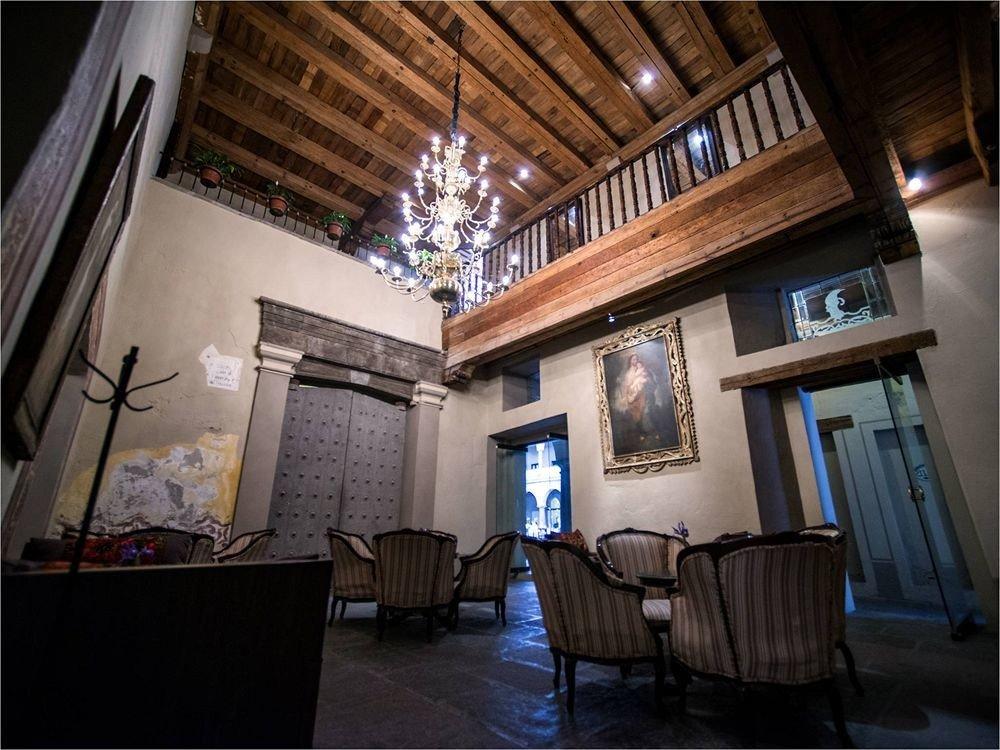 Bar Dining Drink Eat Elegant Luxury building house home living room restaurant tourist attraction