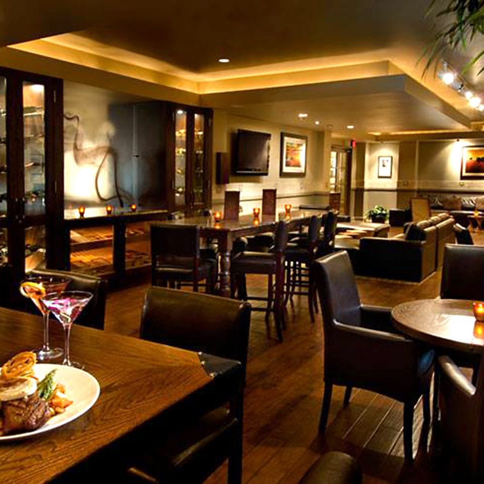 Bar Dining Drink Eat Elegant Luxury Modern restaurant Lobby home Resort condominium living room dining table