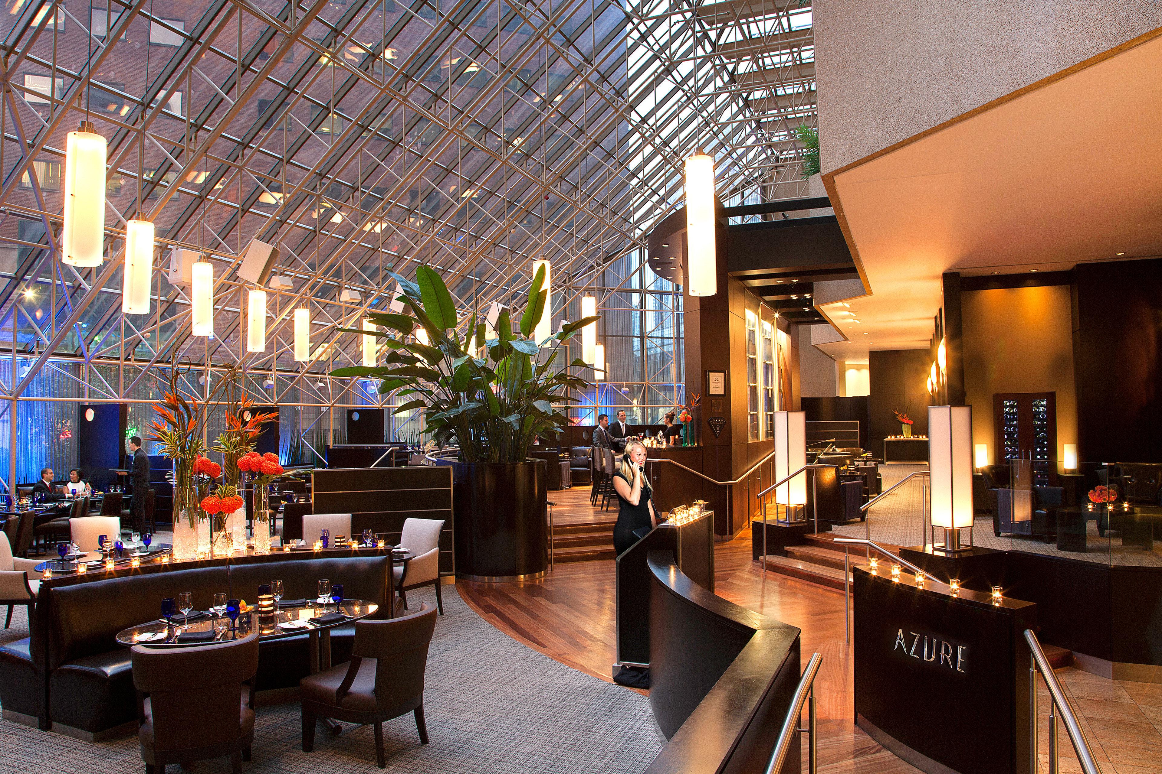 Dining Drink Eat Nightlife Resort property Lobby restaurant Bar