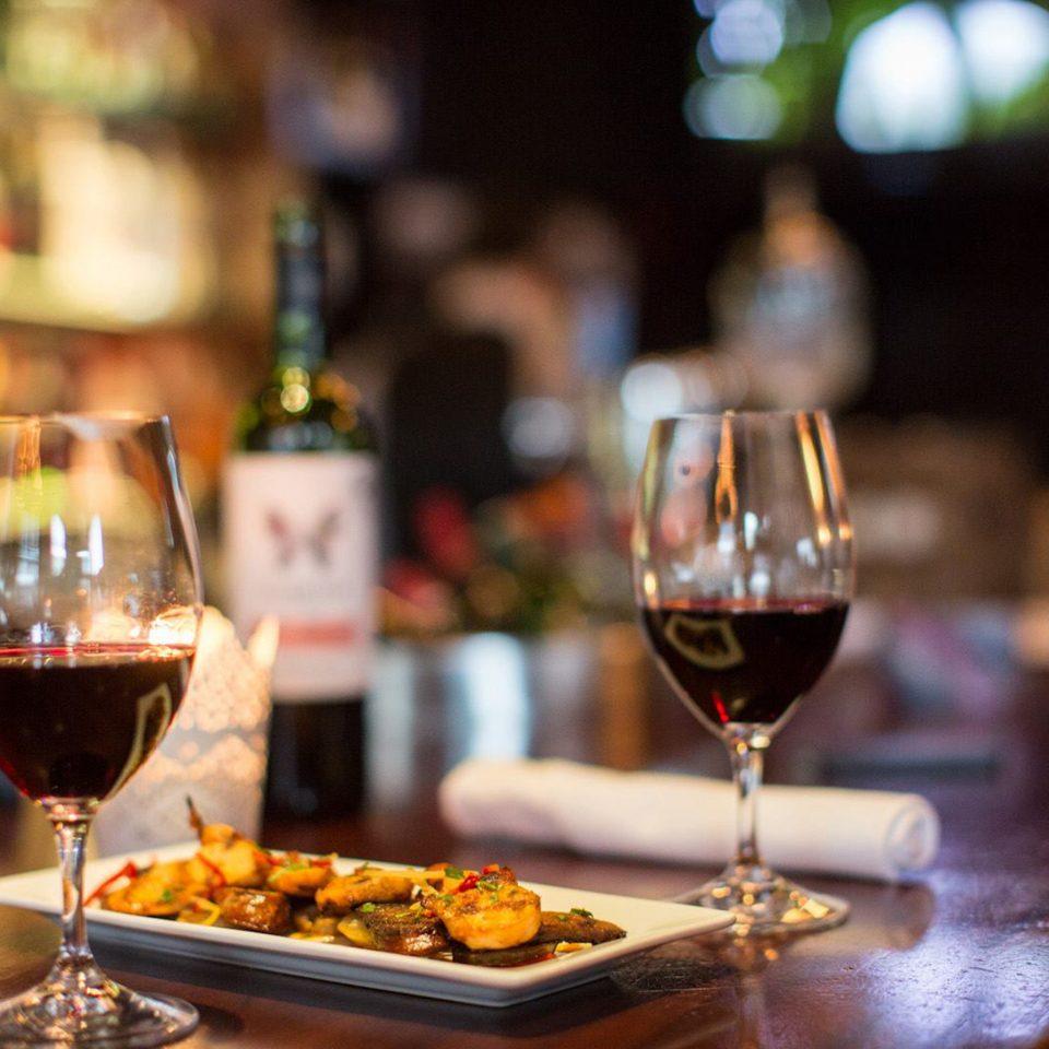 Bar Dining Drink Eat Modern wine food alcoholic beverage restaurant glass dinner sense distilled beverage close meat
