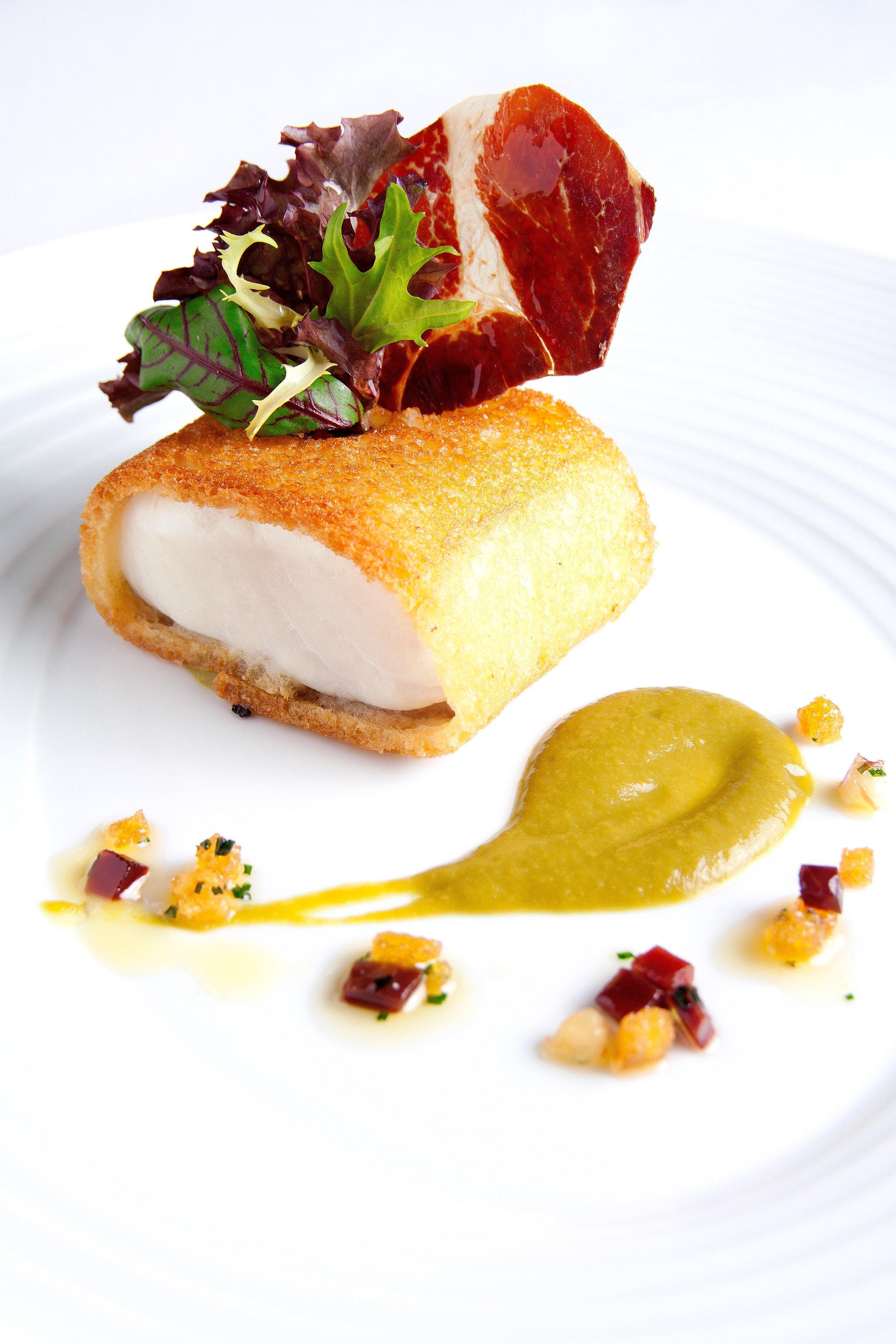 Bar Dining Drink Eat Elegant Historic plate food piece slice breakfast cuisine meat dessert arranged