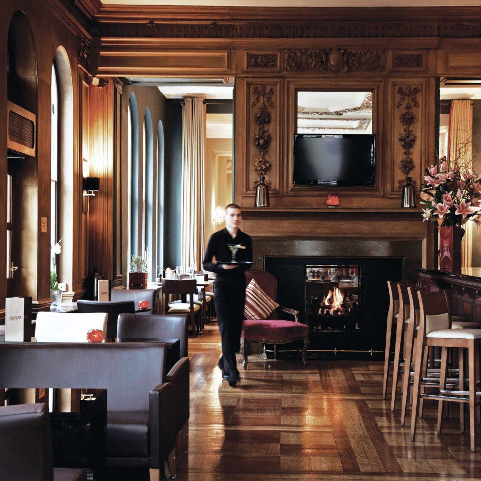 Bar Dining Drink Eat Elegant Hip Luxury Modern home lighting cabinetry restaurant living room Kitchen
