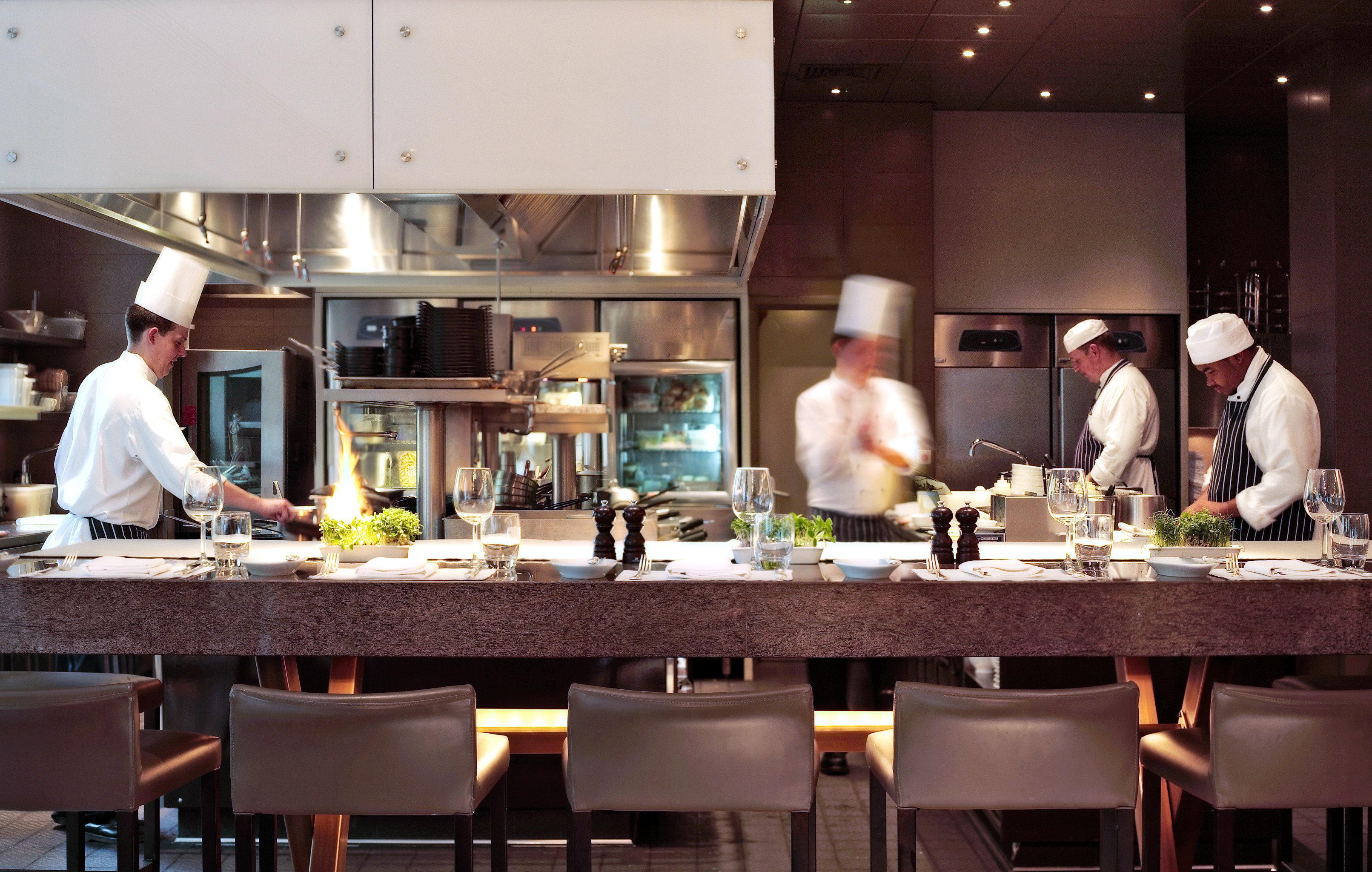 Bar Dining Drink Eat Luxury Modern Kitchen restaurant preparing function hall brunch working sense rehearsal dinner Island