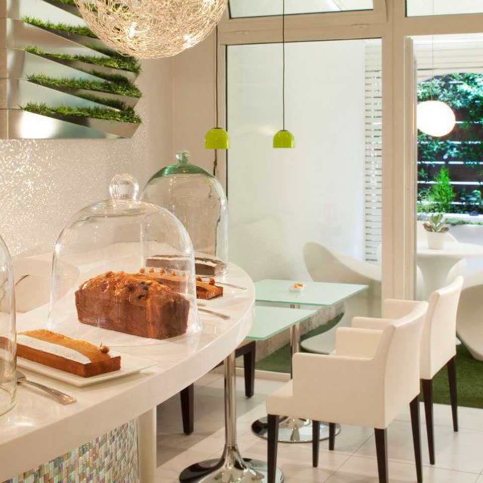 Bar Dining Drink Eat Hip Luxury Modern home living room restaurant dining table