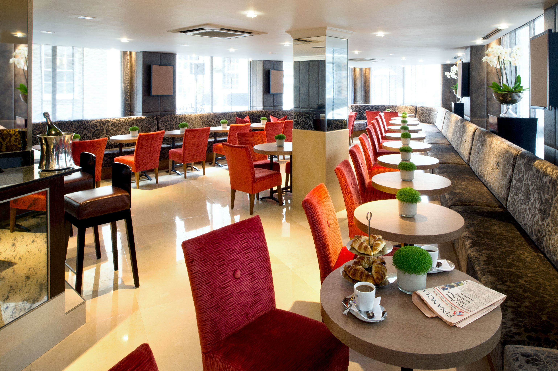 Dining Drink Eat Lounge Modern sofa chair restaurant Lobby Resort Bar leather set