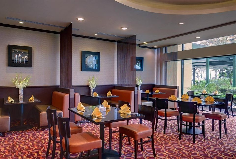 Bar Dining Drink Eat Hip Luxury property Resort restaurant function hall conference hall Lobby condominium convention center