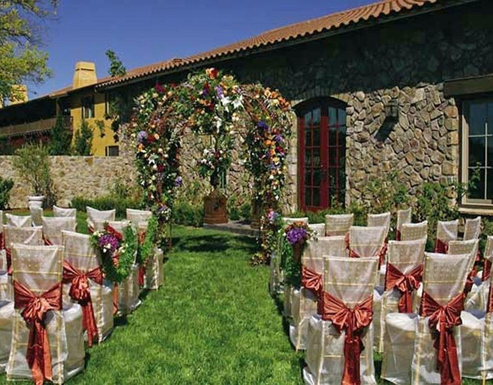 Bar Dining Drink Eat Wine-Tasting grass flower aisle floristry ceremony