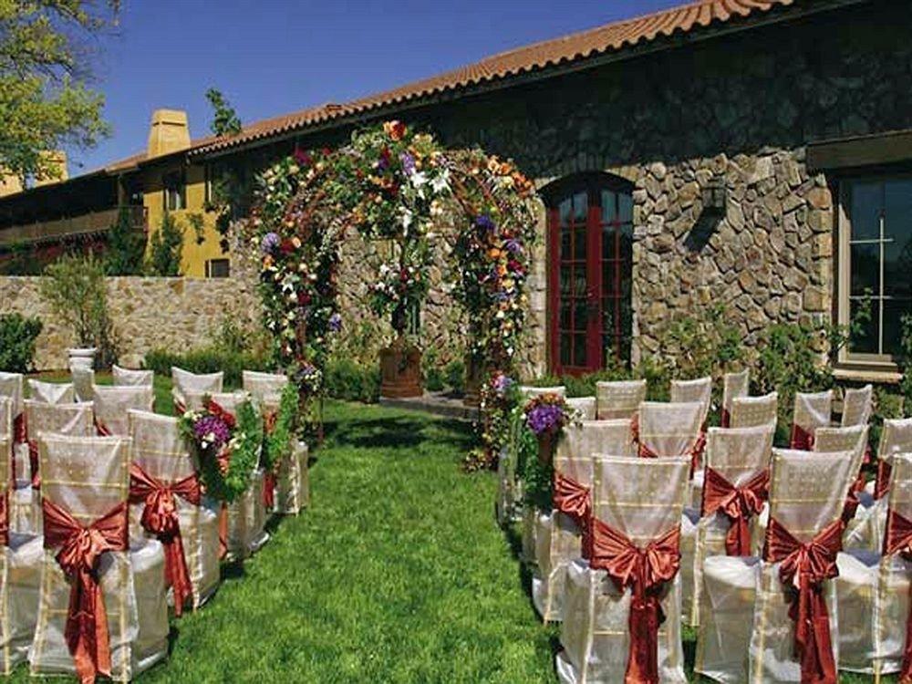 Bar Dining Drink Eat Wine-Tasting grass flower aisle floristry ceremony