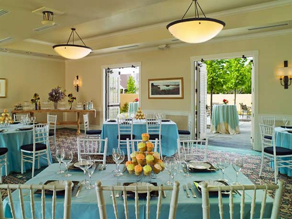 Bar Dining Drink Eat Wine-Tasting chair property restaurant function hall Resort dining table