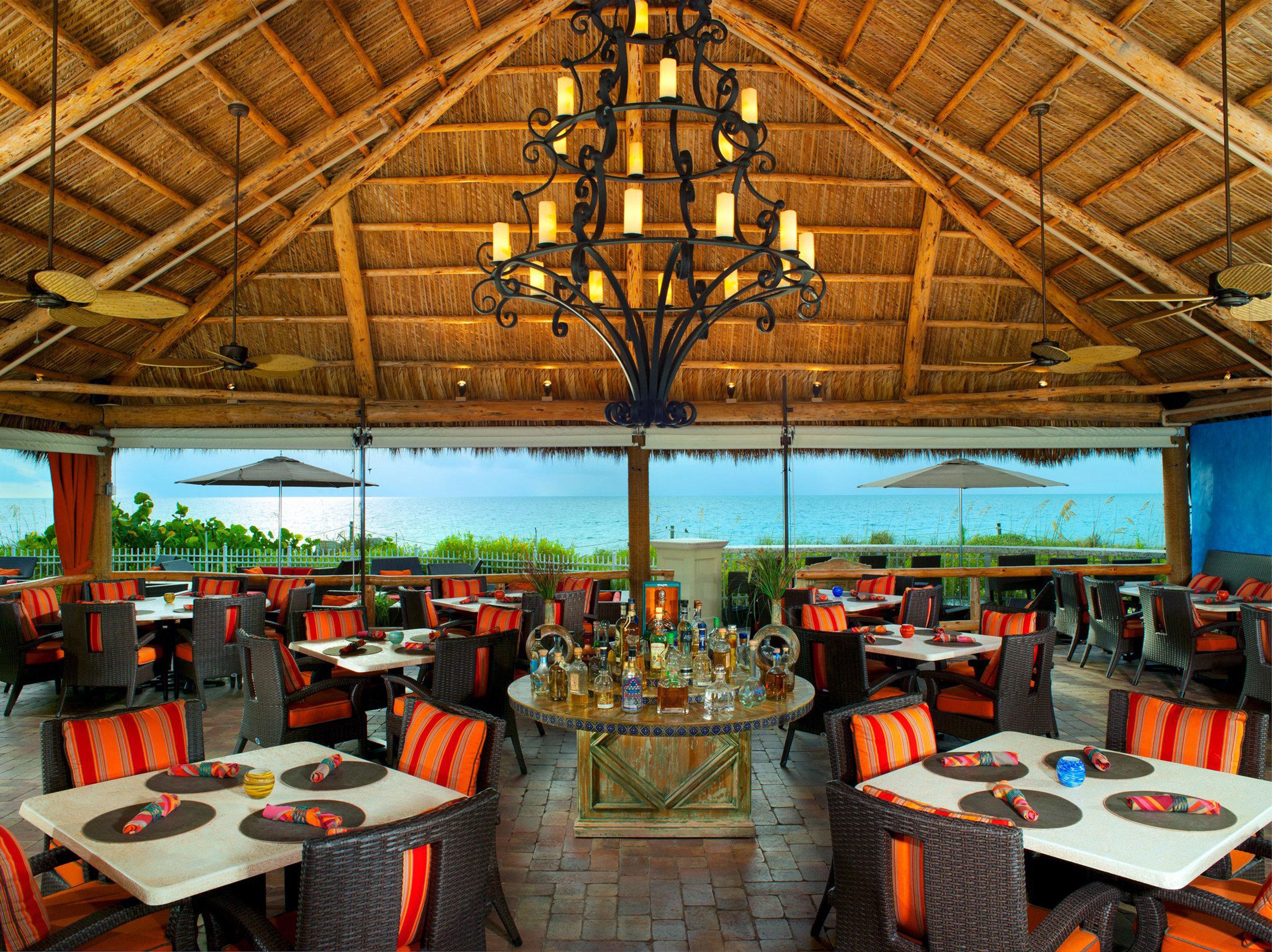 Bar Dining Drink Eat Elegant Luxury Scenic views Tropical restaurant Resort tavern