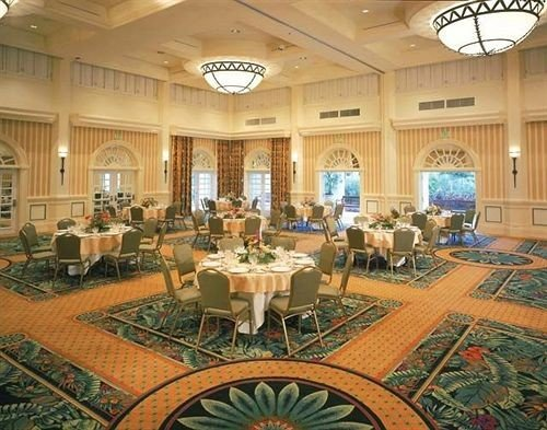 Bar Dining Drink Eat function hall banquet Lobby conference hall convention center ballroom palace mansion