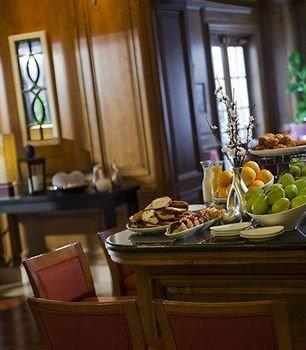 Bar Dining Drink Eat Luxury Modern property restaurant cottage brunch dining table