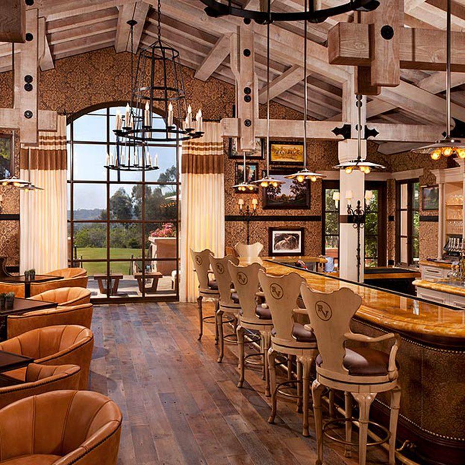 Bar Dining Drink Eat Elegant chair restaurant café Lobby Resort tavern coffeehouse