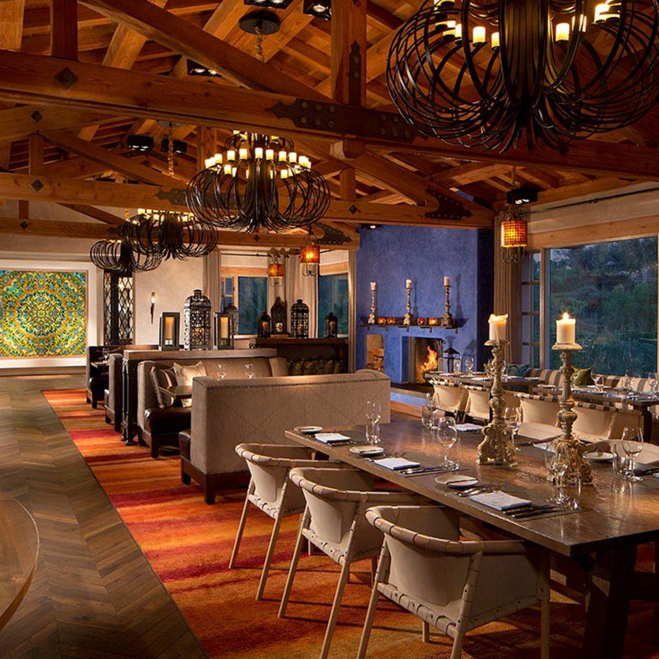 Bar Dining Drink Eat Elegant Trip Ideas restaurant Resort tavern café Island dining table
