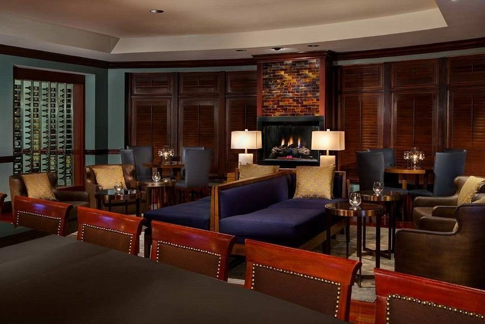 Bar Dining Drink Eat Luxury property Lobby living room recreation room Suite leather