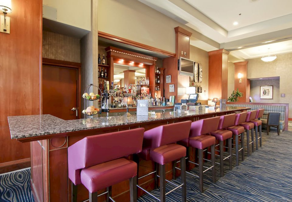 Bar Dining Drink Eat Hip chair property restaurant function hall Resort Suite