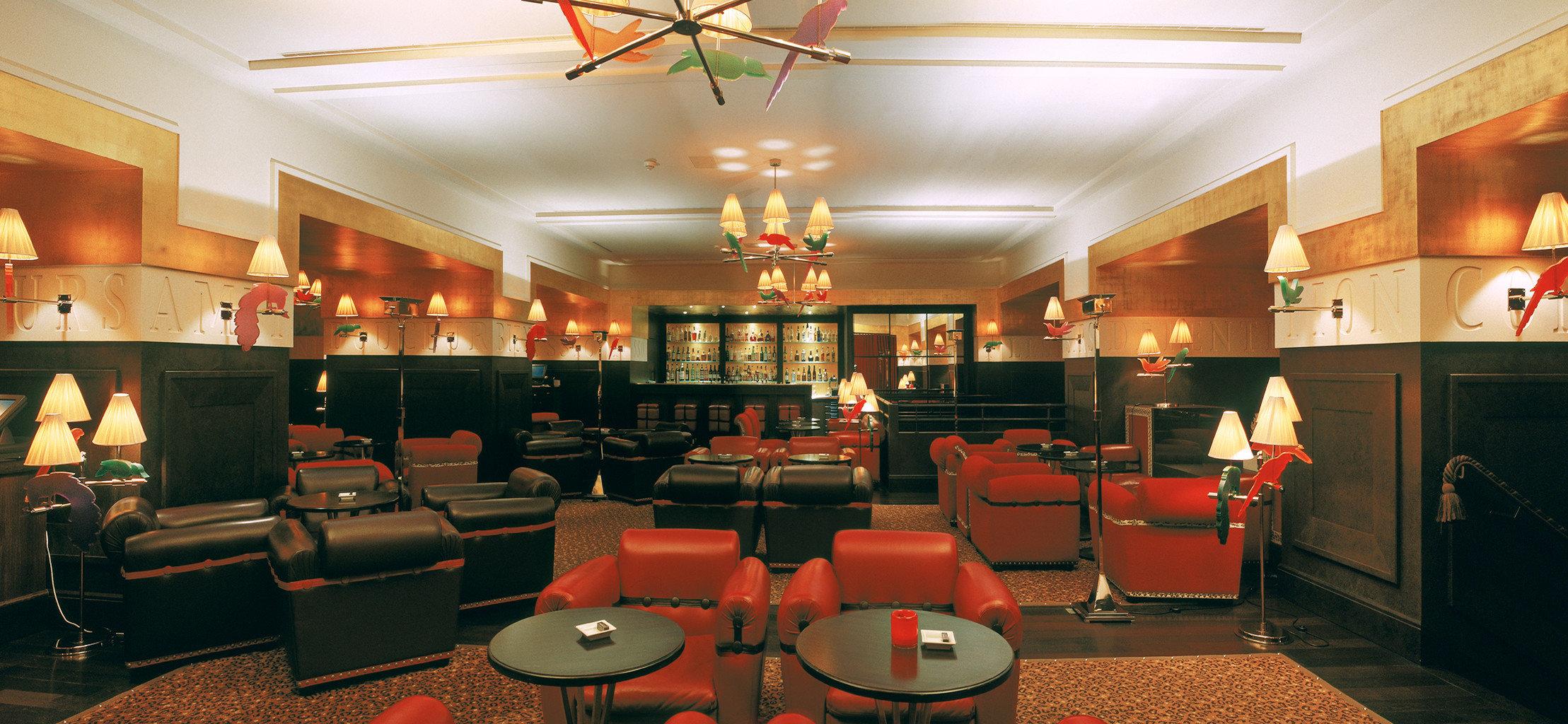 Bar Dining Drink Eat restaurant Lobby function hall café recreation room