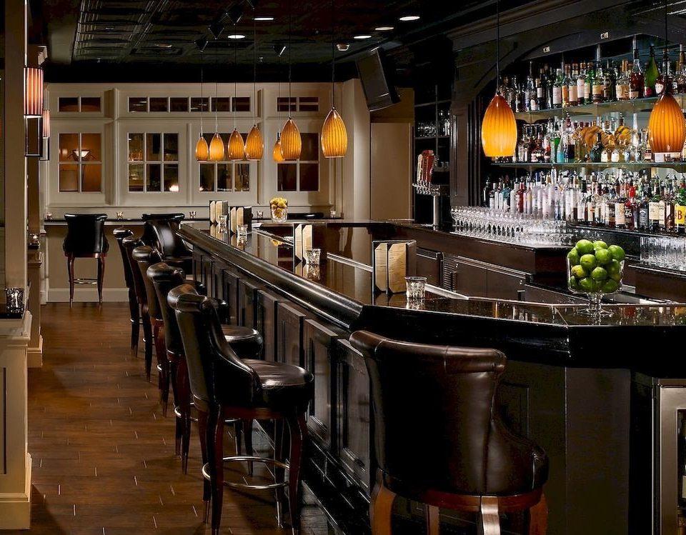 Bar Dining Drink Eat Elegant Hip Lounge Kitchen restaurant counter café steel stainless appliance Island