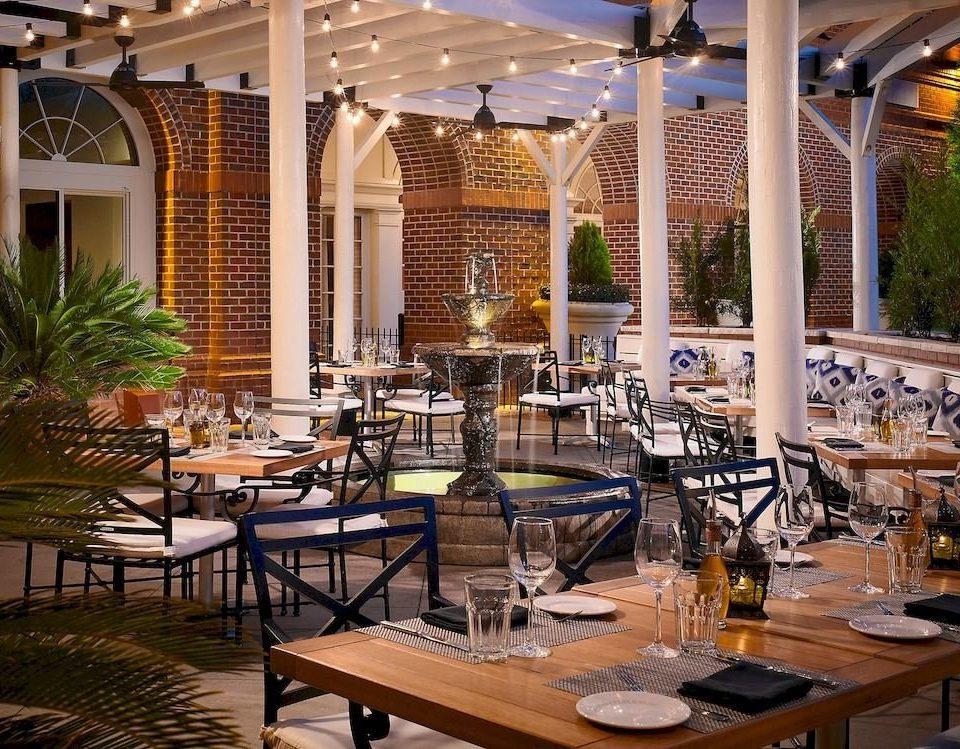 Bar Dining Drink Eat Elegant Hip Lounge restaurant Resort function hall Lobby set