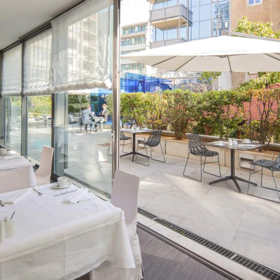 Bar Dining Drink Eat Scenic views property condominium restaurant Lobby Resort