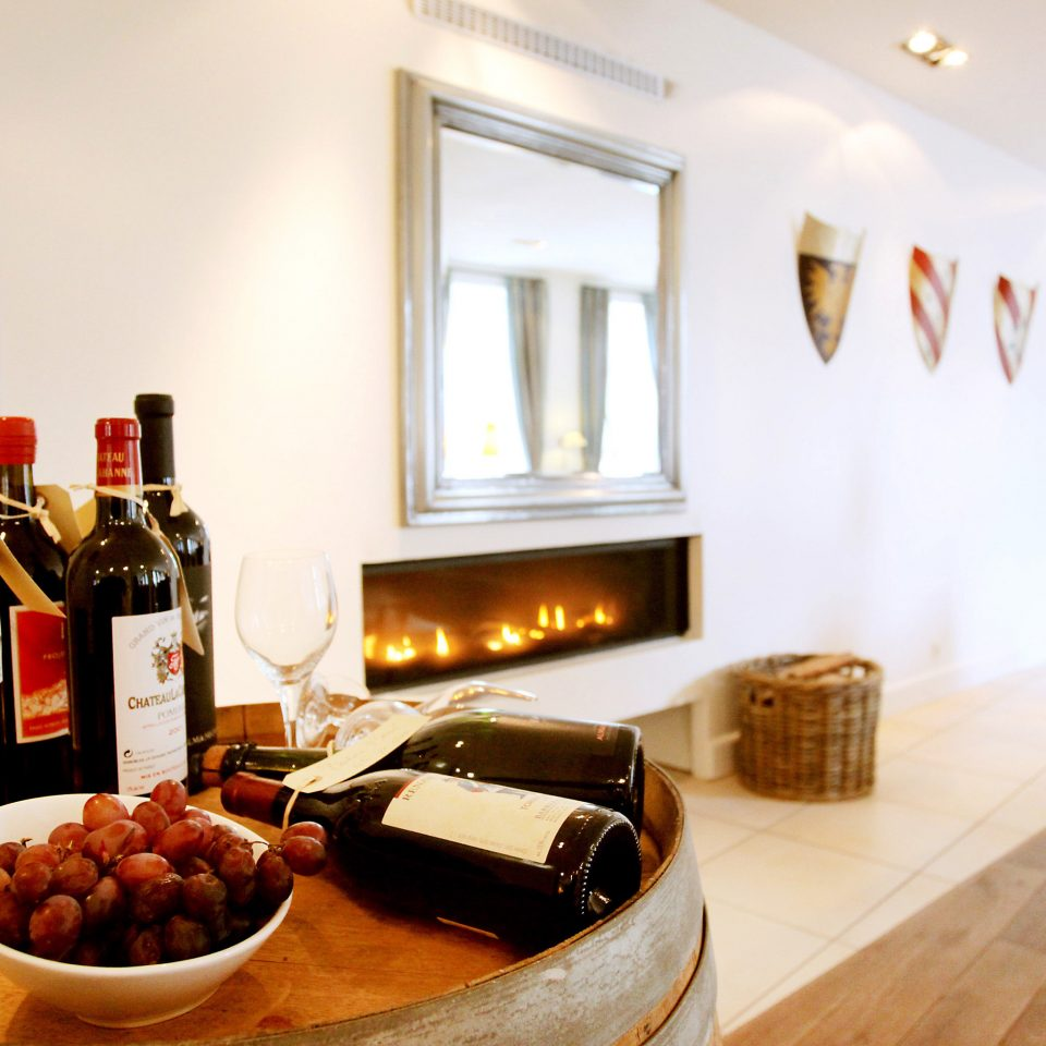 Bar Dining Drink Eat Luxury Romantic Wine-Tasting home restaurant