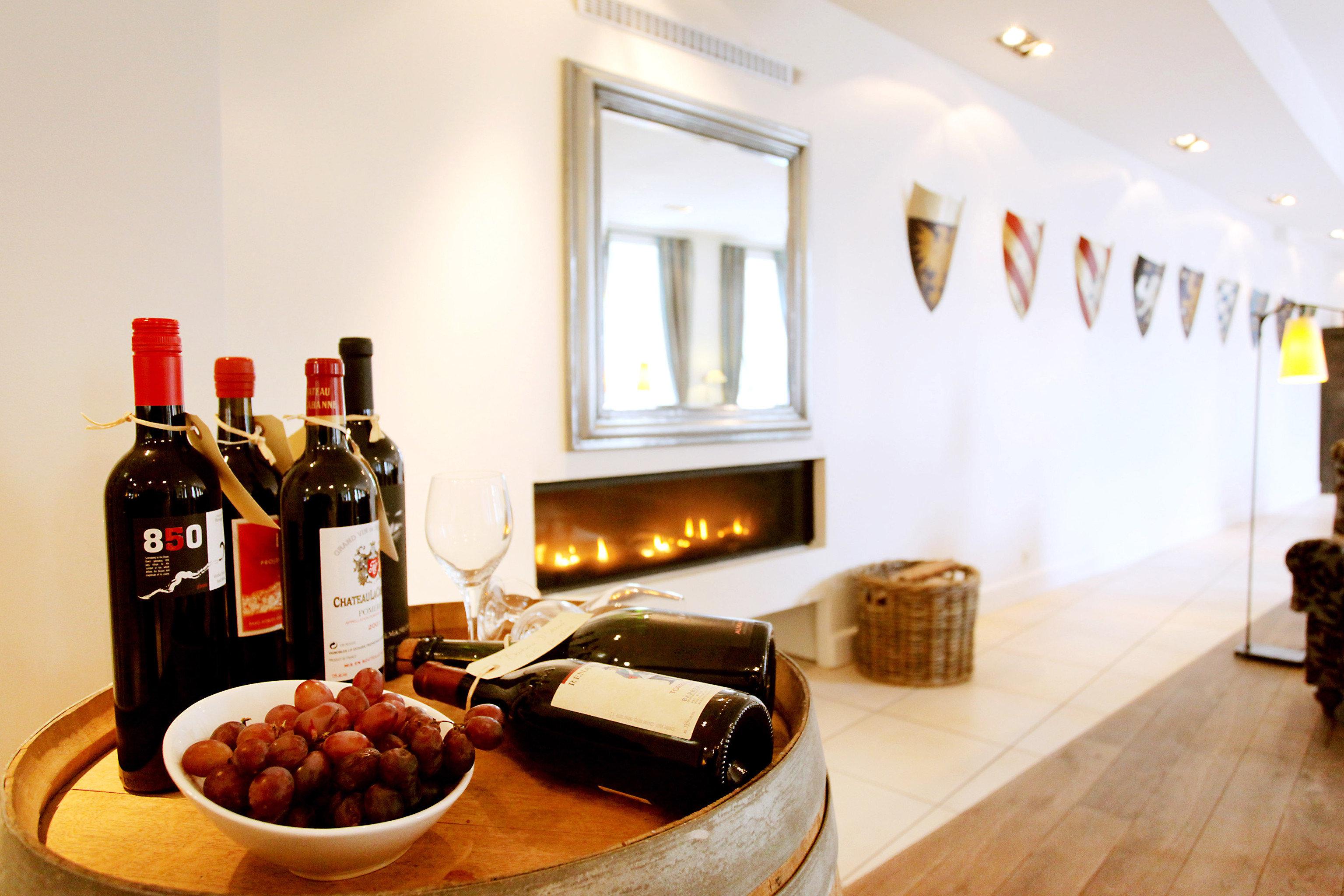 Bar Dining Drink Eat Luxury Romantic Wine-Tasting home restaurant