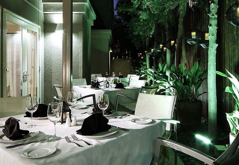 Bar Dining Drink Eat Hip Luxury green restaurant home lighting dining table