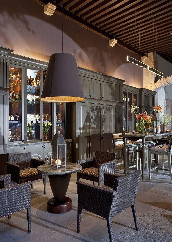 Bar Drink Lounge Wine-Tasting chair restaurant Dining Lobby lighting café coffeehouse living room set