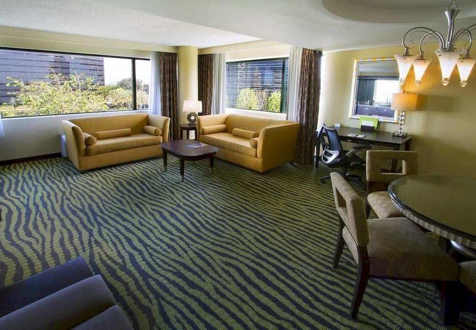 Bar Dining Eat Hip Luxury sofa property condominium Suite living room home Villa cottage Resort